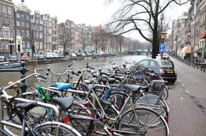 Bicycle_culture_Amsterdam_5822009056