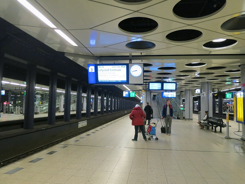 Schiphol-Train-Platform
